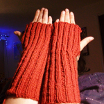 knitted wristers red